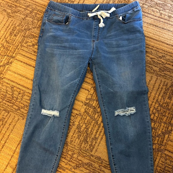 American Bazi Denim - Stretchy distressed jeans with cuffed ankle 3X
